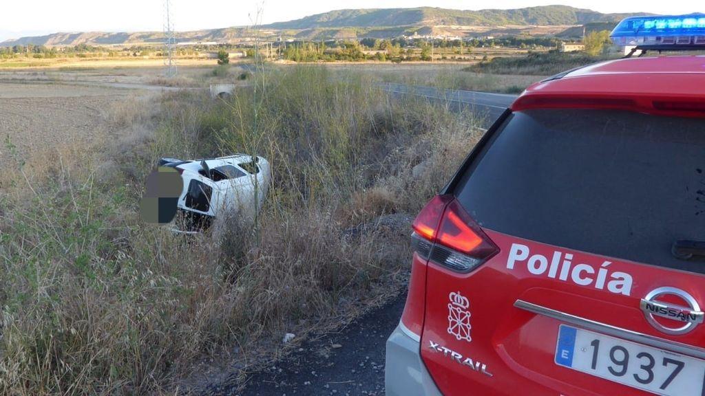 Heridos un matrimonio y su bebé de 4 meses al caer con su furgoneta por un terraplén en Navarra