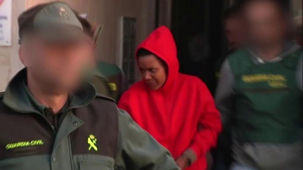 La vida de Ana Julia en la cárcel: convive con una presa en una celda de 9 metros