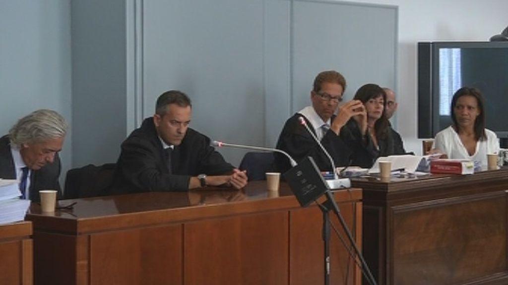Enorme expectación a las puertas de la Audiencia Provincial de Almería por el juicio de Ana Julia