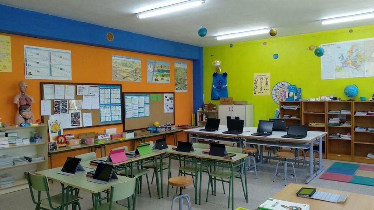 En la escuela unitaria de Sarreaus cuentan con una snappet y una tablet para cada alumno