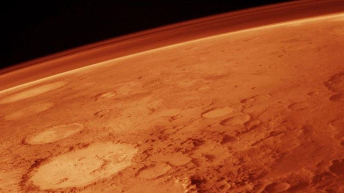 Un orbitador de la NASA capta una avalancha en la superficie de Marte