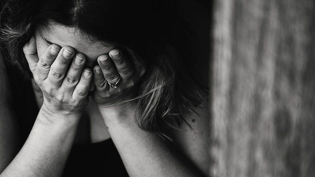 Los expertos aconsejan hablar del tema del suicidio