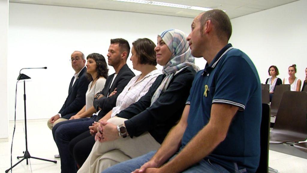 Absueltos los seis regidores de Badalona que abrieron el Ayuntamiento el 12 de octubre de 2016