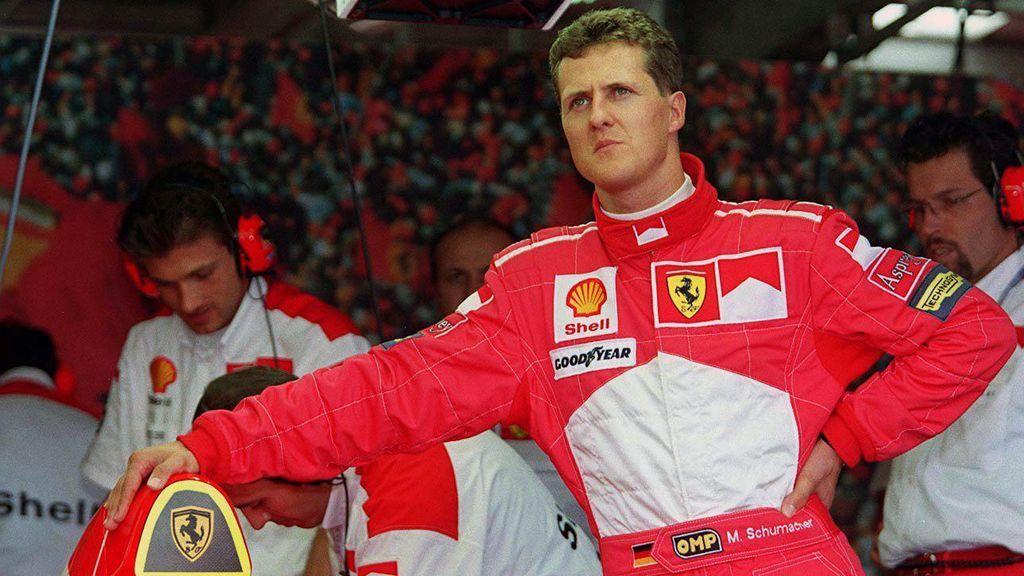 """Michael Schumacher reaparece en París cinco años después de su grave accidente para recibir un """"tratamiento secreto"""""""