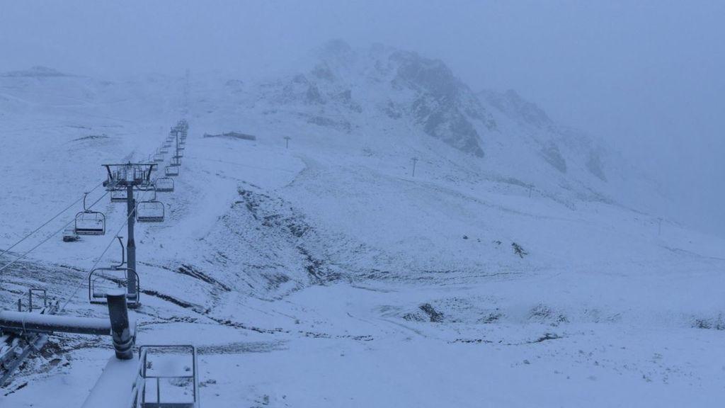 Pirineos se cubre de blanco: las imágenes de las primeras nevadas de la temporada