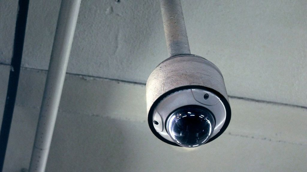 El secretario de Estado de Educación compara las cámaras en las aulas con los detectores de armas en EEUU
