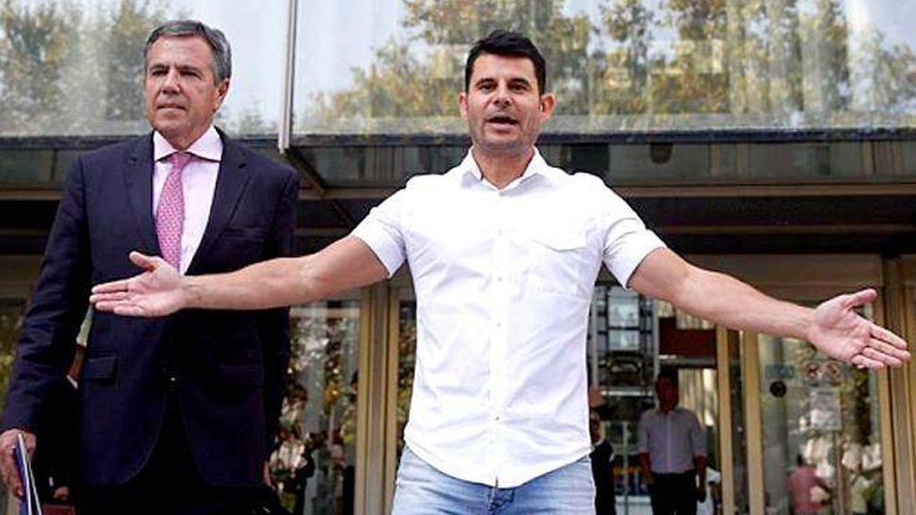 Julio Iglesias recurre la sentencia que le considera padre de Javier Sánchez Santos