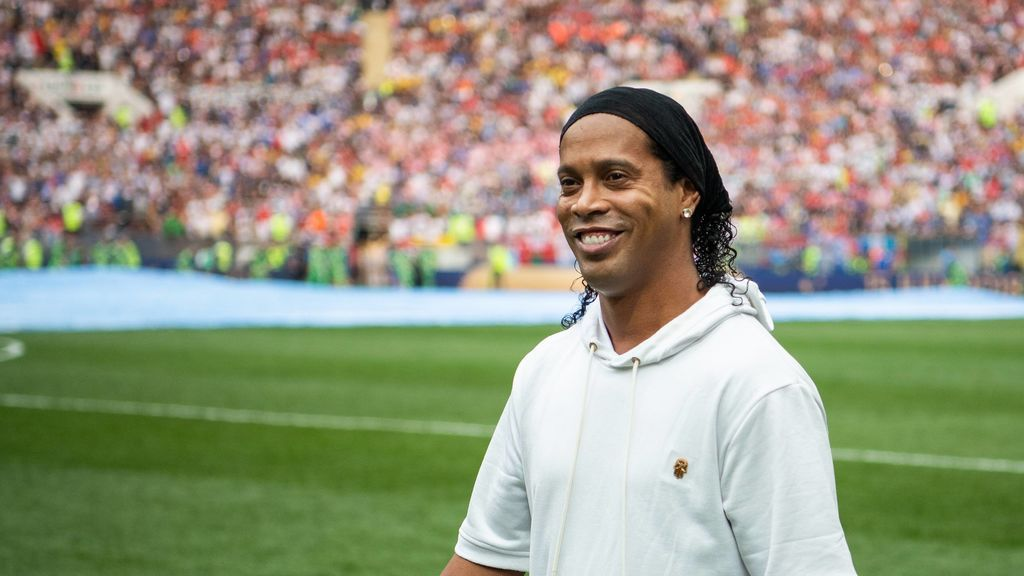 Ronaldinho tendrá que pagar alrededor del millón y medio de euros para recuperar su pasaporte