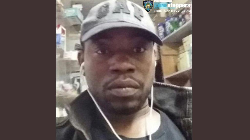 La policía encuentra 'por error' a un hombre secuestrado en una bodega: ahora buscan al responsable