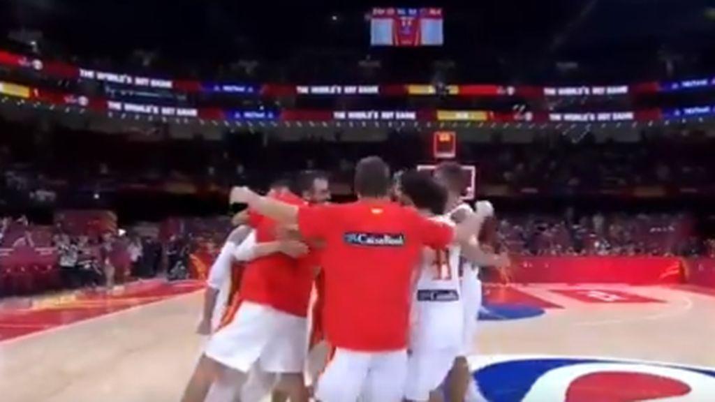 ¡Vértigo hasta el último segundo! : así ha vivido Sánchez el agónico pase a la final de España en baloncesto