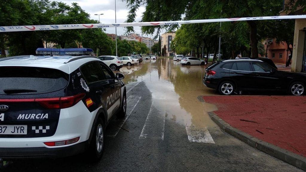 42 las carreteras cortadas en Murcia por la lluvia