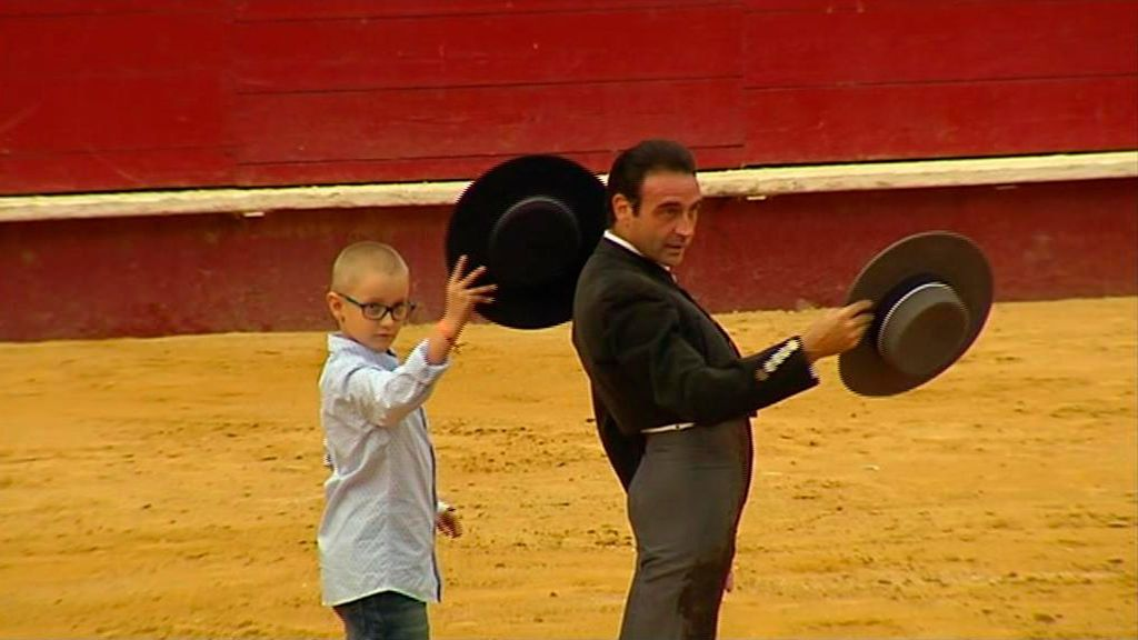 Adrián, el niño toriero