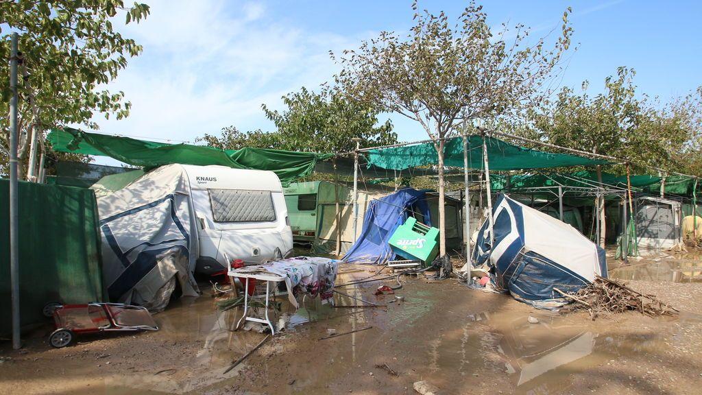 Camping de Cabo de Gata (Almería) inundado a consecuencia de las fuertes lluvias