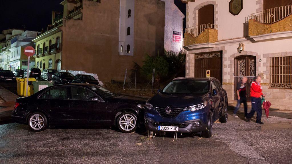 Varios de los vehículos que han sido arrastrados por las lluvias en Málaga