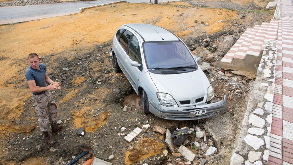 Vehículo arrastrado por las lluvias registradas en Málaga