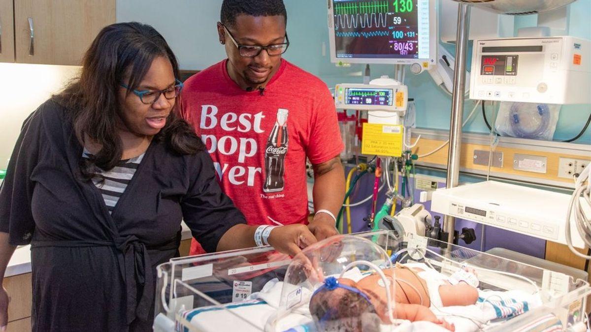 La espeluznantes coincidencias de un bebé en el 11S: nació a las 9:11 y pesó 9 libras y 11 onzas (4 kilos 39 gramos)