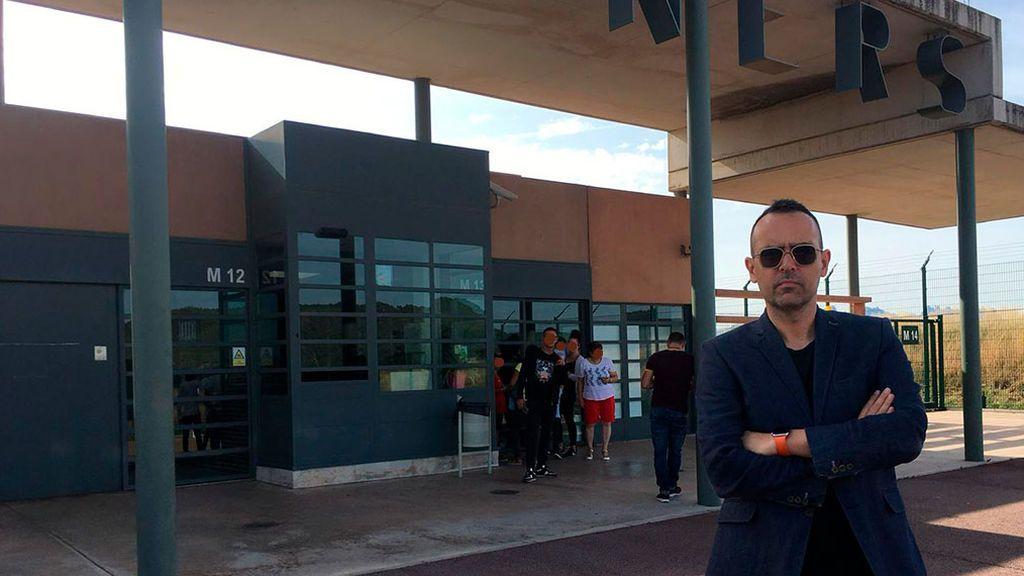 Risto Mejide en la cárcel de Llenoders instantes antes de entrevista a Raül Romeva