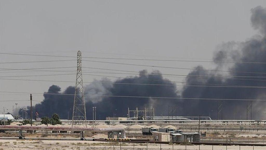 Continúa el conflicto en Yemen: cruce de acusaciones por el ataque con drones a instalaciones petroleras saudíes