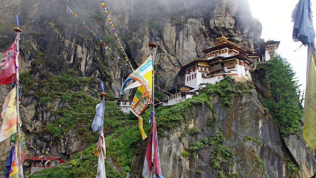 Bután, la única nación libre de humo en el mundo