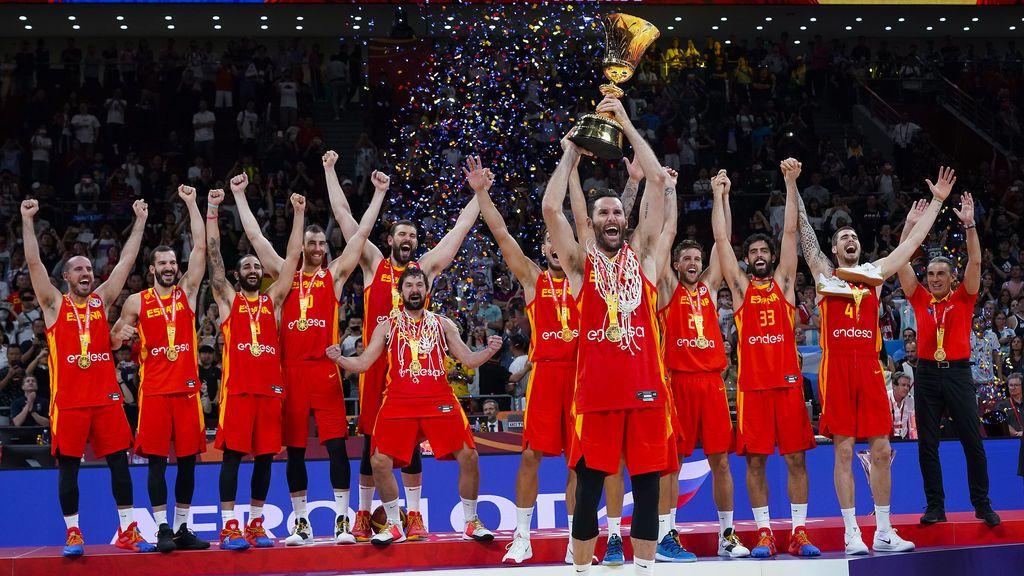Rudy Fernández levanta al cielo de Pekín la segunda Copa del Mundo para España