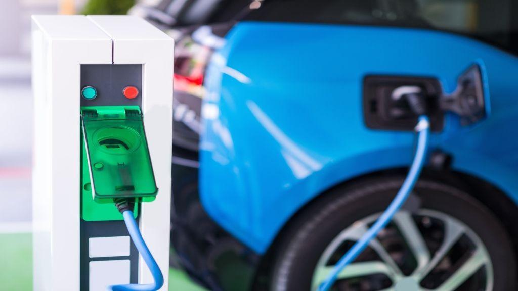 ¿Puedo instalar en mi plaza de garaje un punto de recarga para mi coche eléctrico?