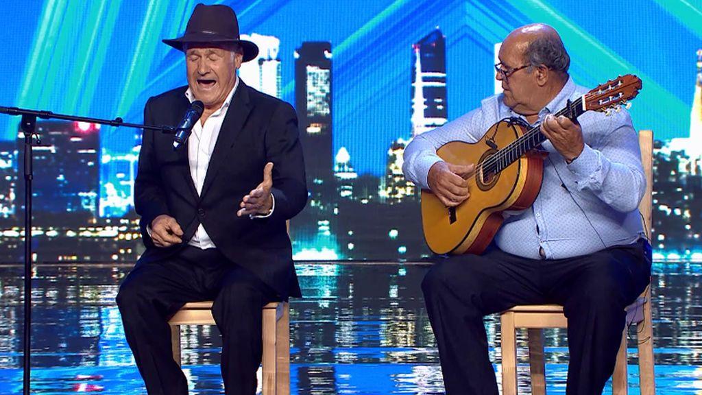 José Antonio emociona al público y al jurado con su canción sobre los abuelos