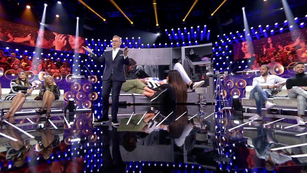 La audiencia, con sus votos a través de la app y la web, decide que los concursantes disfruten de un pase para cuatro personas al jacuzzi