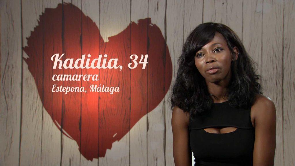 """Kadidia: """"Mis padres me obligaron a casarme con 17 años con un hombre que nunca me gustó"""""""