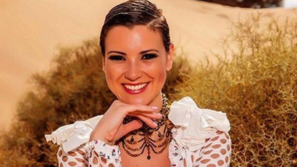 """María Jesús Ruiz se realiza un doble cambio de look que recuerda a Lady Di: """"Estás guapísima y radiante"""""""