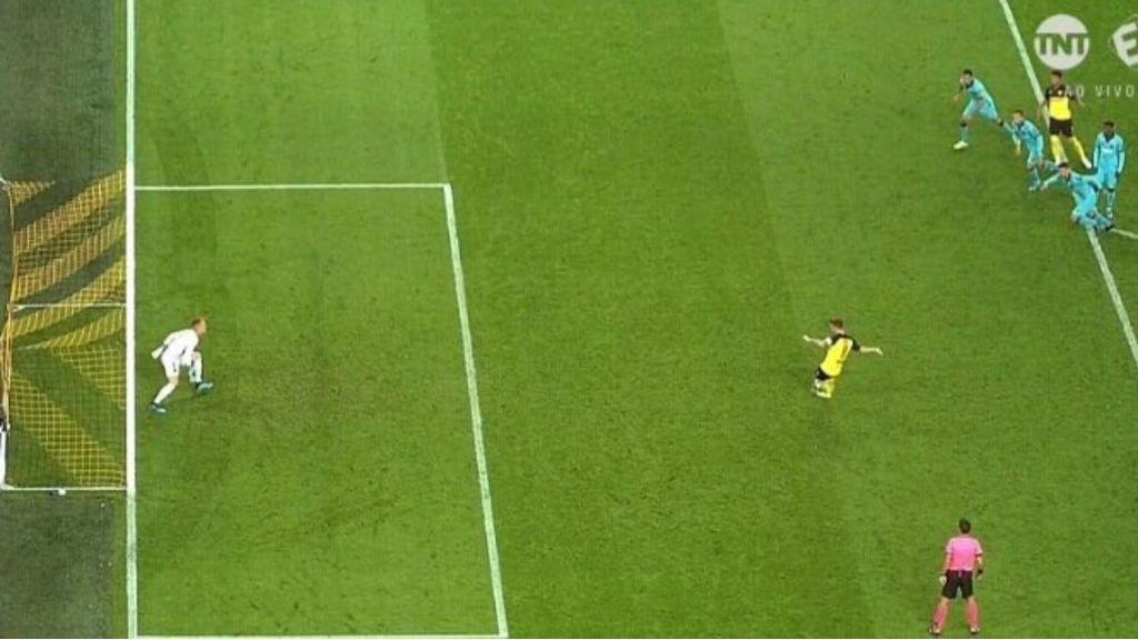 Penalti Borussia Dortmund - FC Barcelona