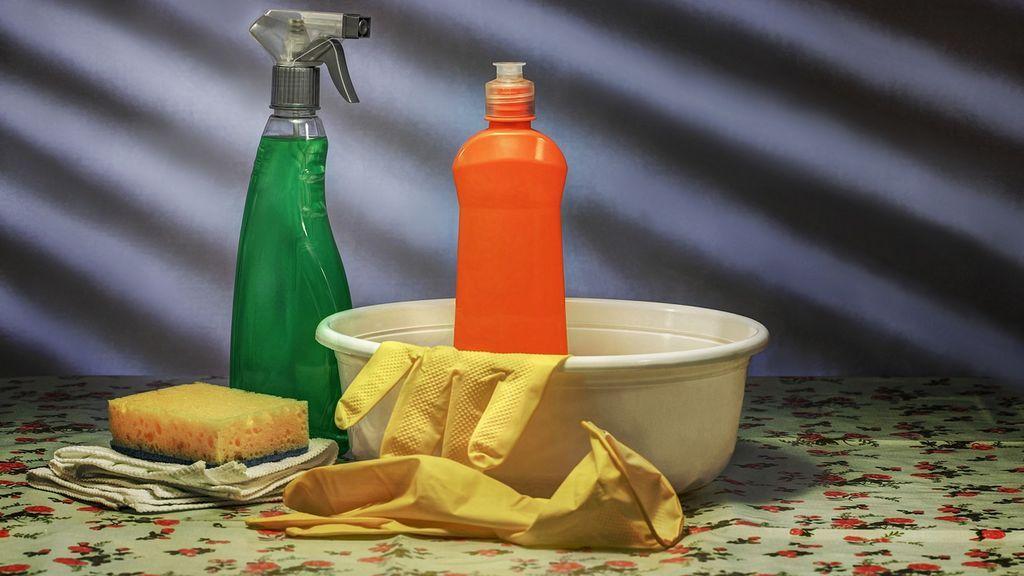 El vinagre, el aliado de la limpieza: trucos que quizás no conocías para limpiar tu hogar con este líquido
