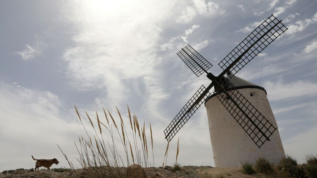 Muy cálido y tirando a seco: cómo ha sido el verano en España