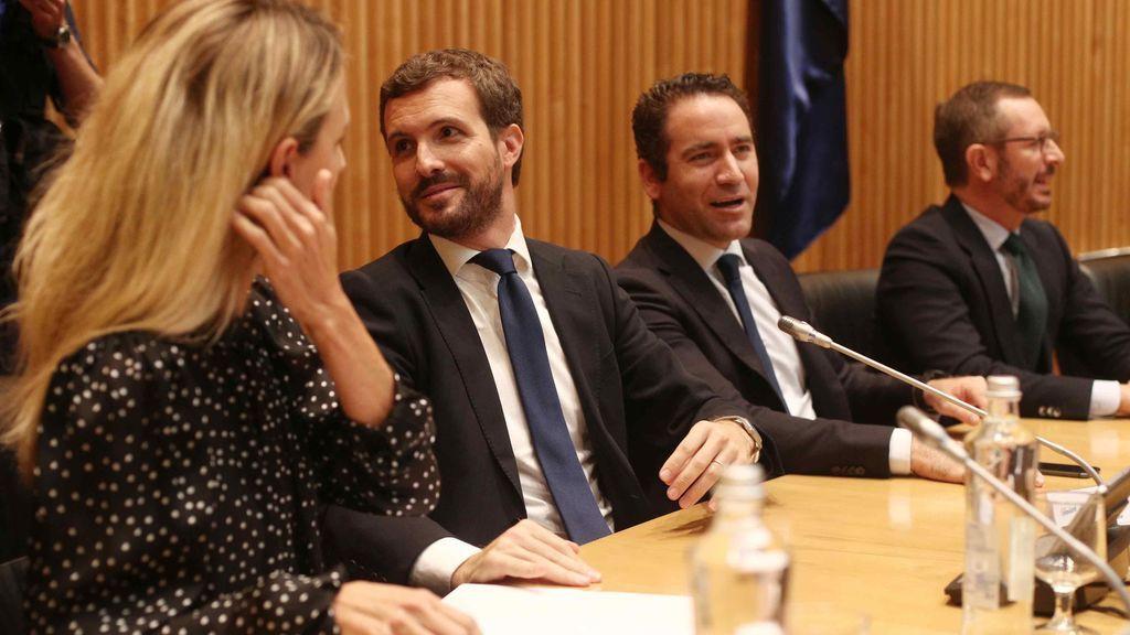 España Suma y la abstención de la izquierda, la fórmula de Casado para ganar a Sánchez