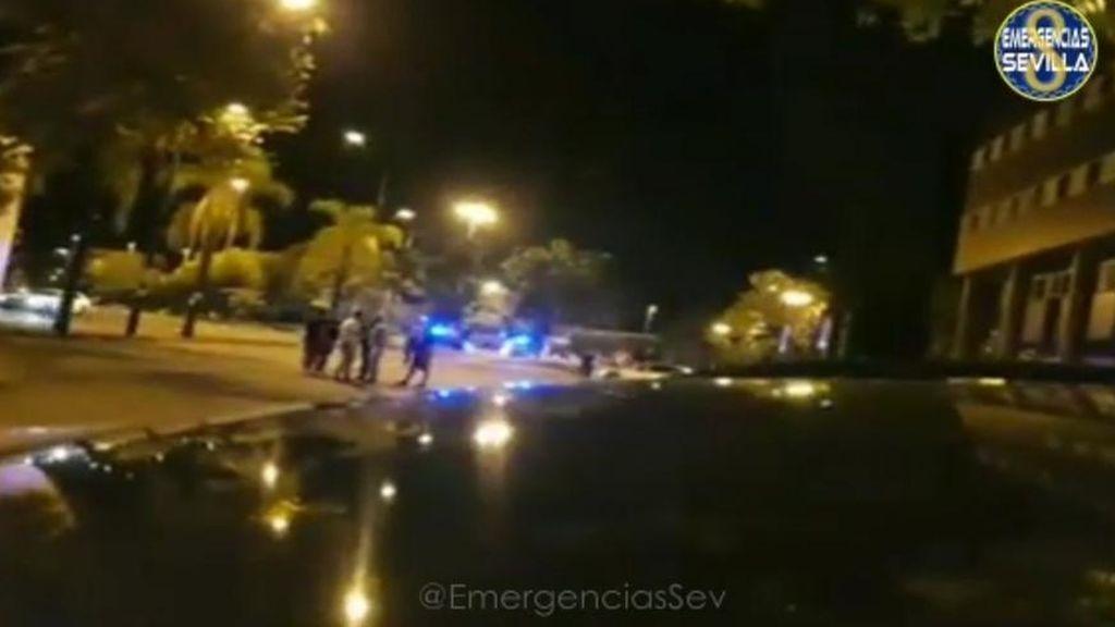 Detenido un motorista sin carné en Sevilla: atropelló a dos policiás tras participar en una carrera ilegal