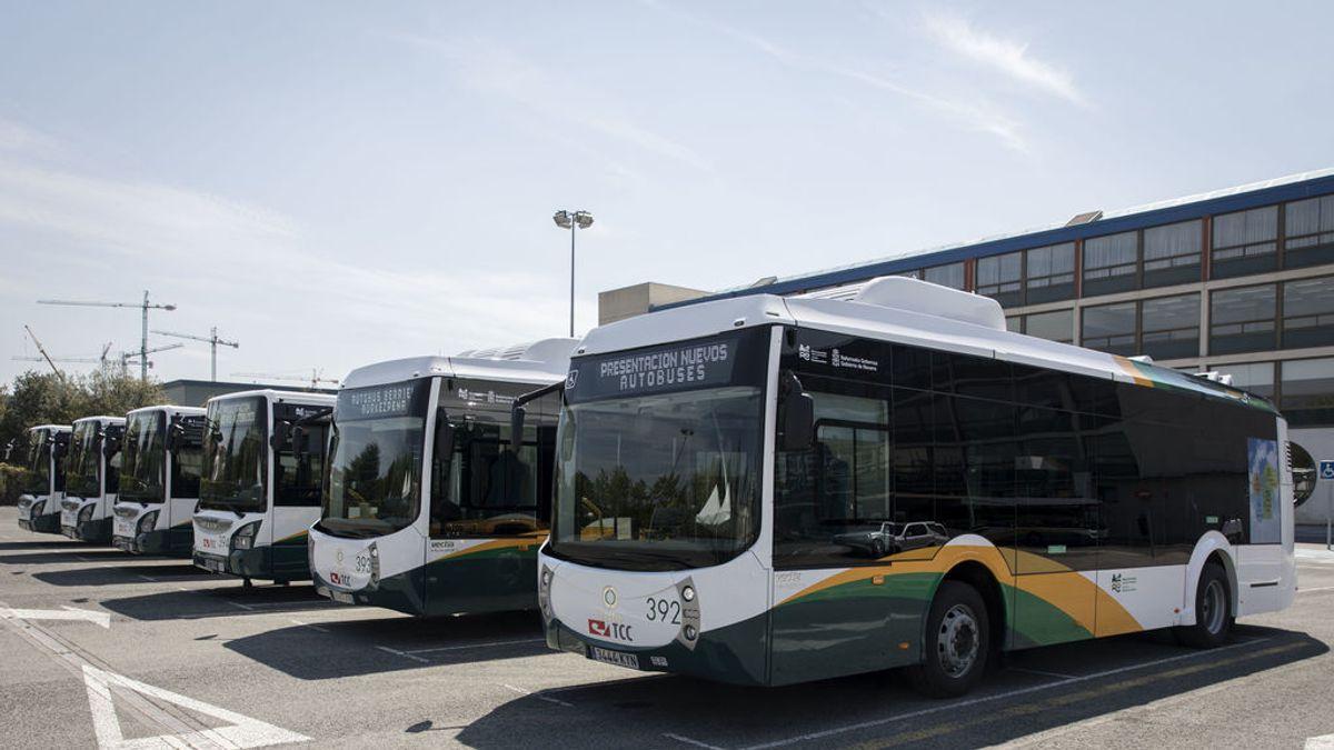 De parto coge el autobús en Navarra para ir al hospital y el conductor le deja en la puerta