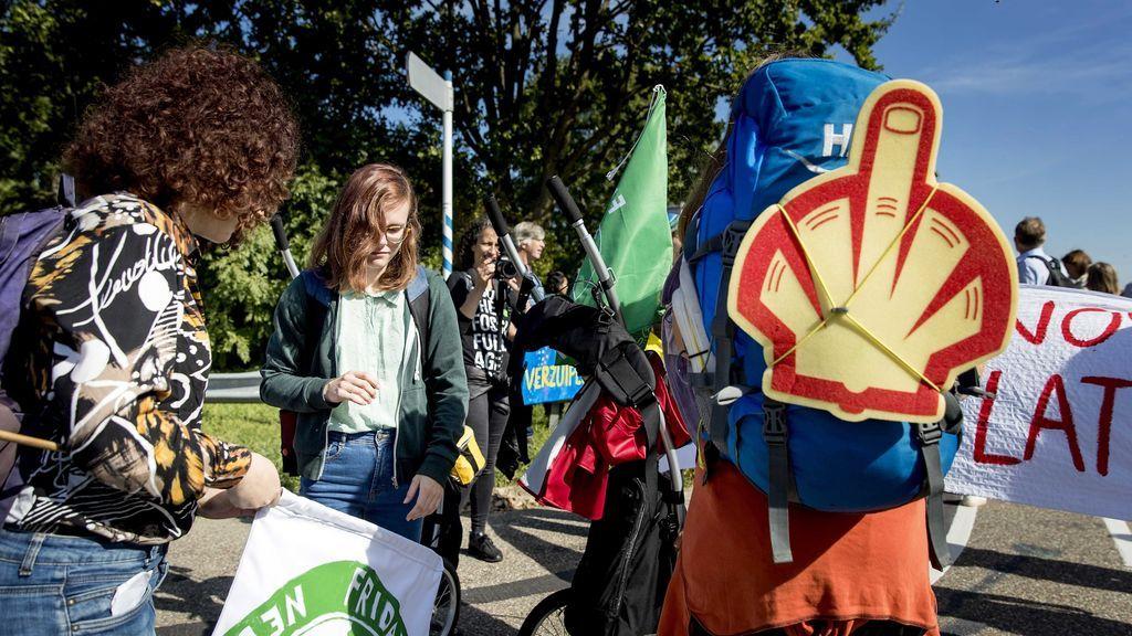Las petroleras son foco de protestas en Holanda