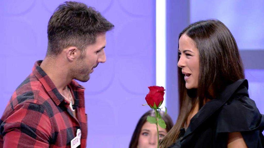 Álex y Jota se convierten en los primeros pretendientes de Melyssa