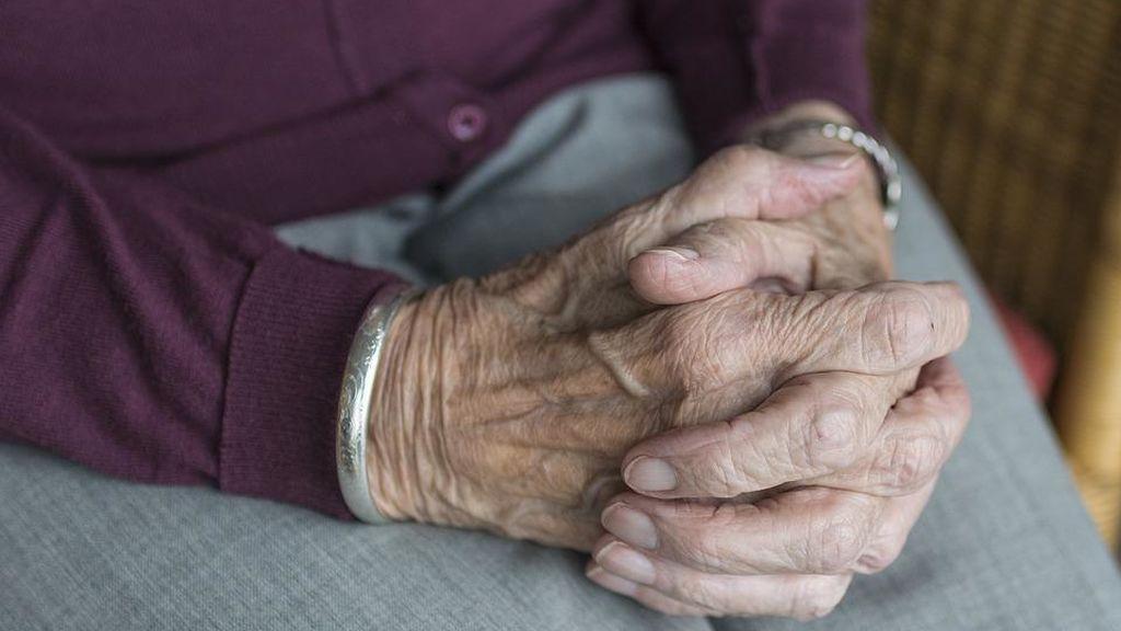 Una anciana mata a su marido golpeándole con un plato en la cabeza