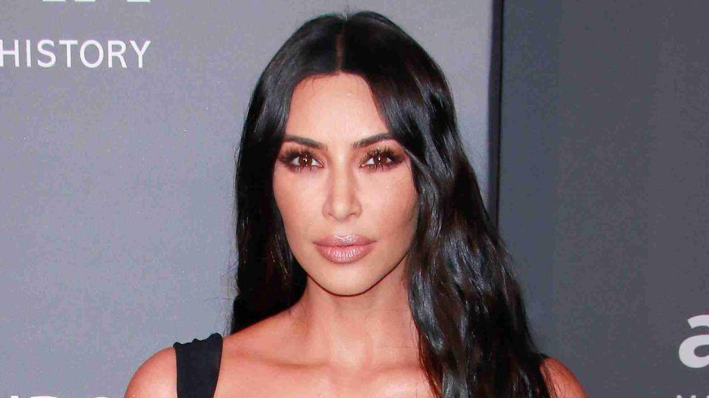 Kim Kardashian da visibilidad a su psoriasis mostrando las secuelas en su cara sin maquillaje