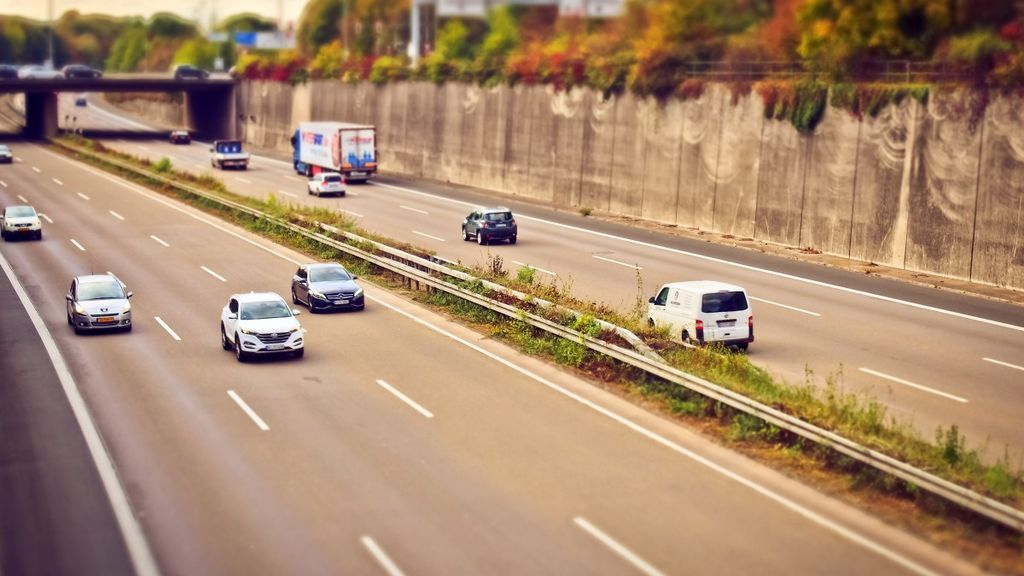 highway_auto_traffic_road_drive_vehicles_speed_driving_a_car-1216881