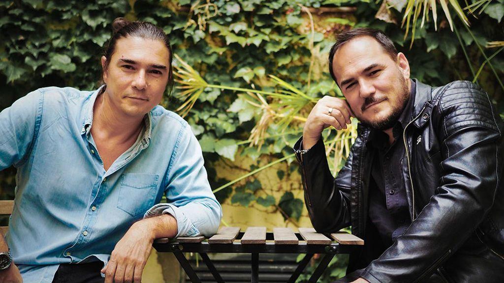 """BORRADOR Ismael Serrano conversa con Daniel Serrano: """"Cal viva es 'Papa, cuéntame otra vez' más el 15-M y el paso del tiempo"""""""
