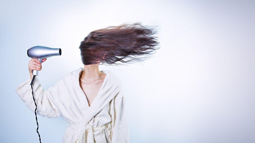 Descubre por qué se cae más el pelo en otoño