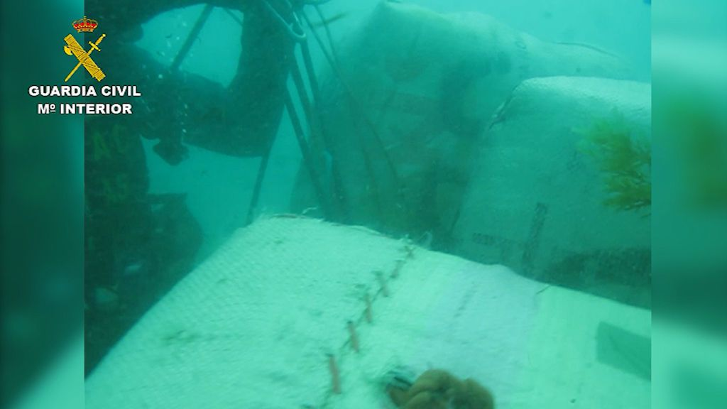 fardos hundidos bajo el mar
