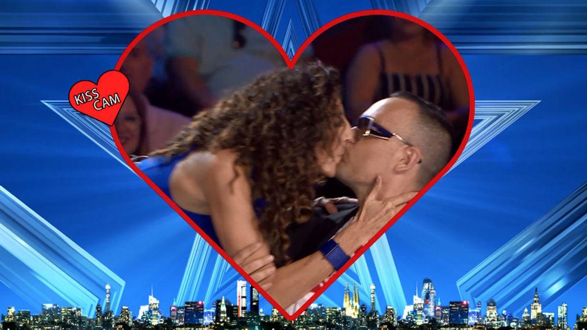 Paz Padilla y Risto Mejide estrenan la 'kiss cam' de 'Got Talent' con un besazo