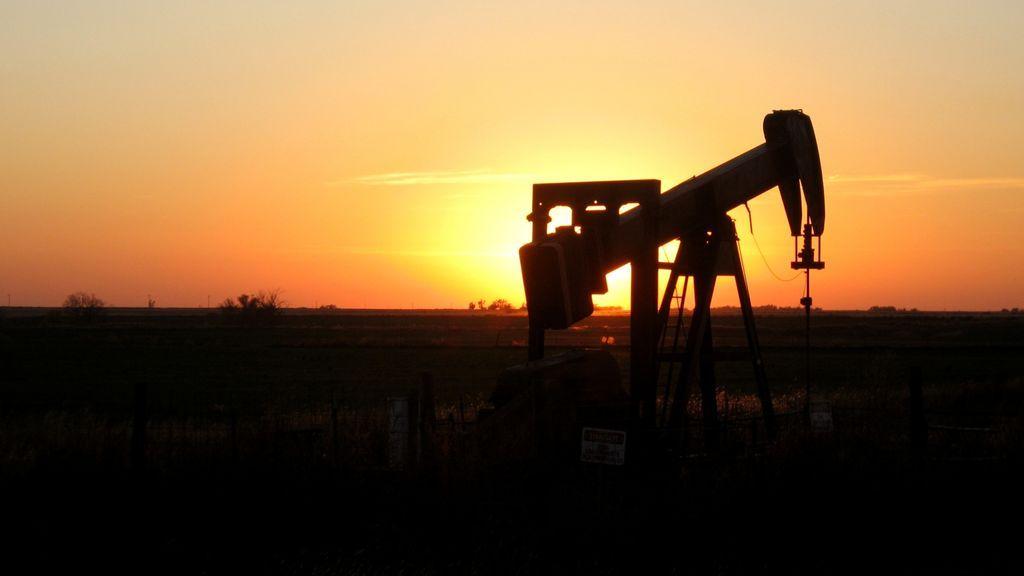 oklahoma-sunset-oil-rig