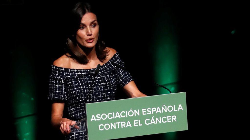 """La reina Letizia pide cuidar y dar """"estabilidad a la comunidad científica"""" de España"""