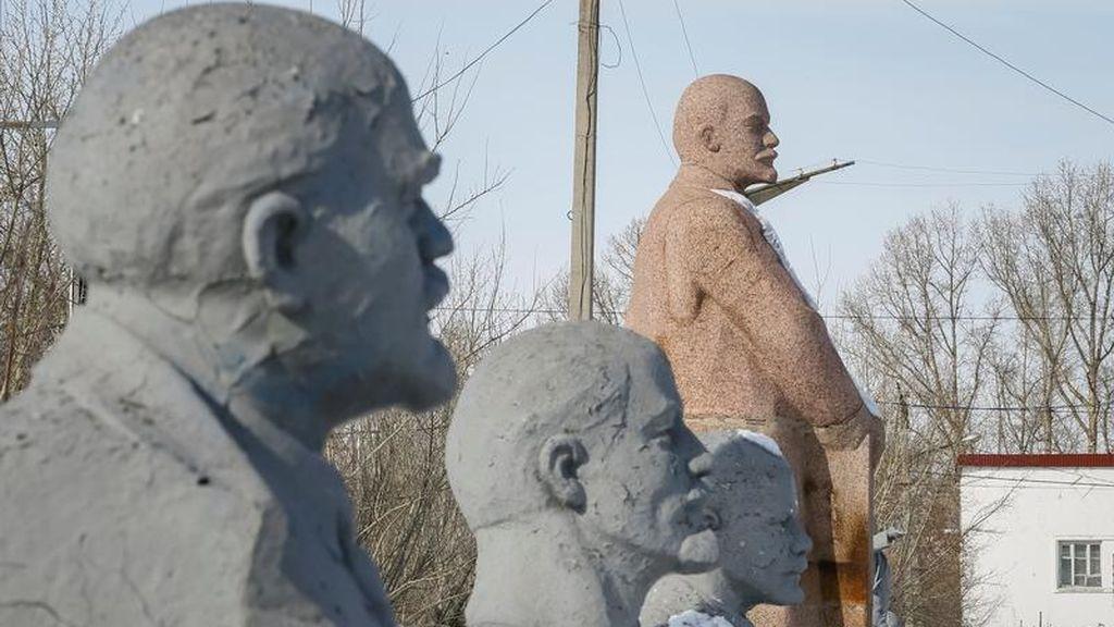 Sepulcro privado para Pinochet o mausoleos para Lenin: así reposan otros dictadores en el mundo