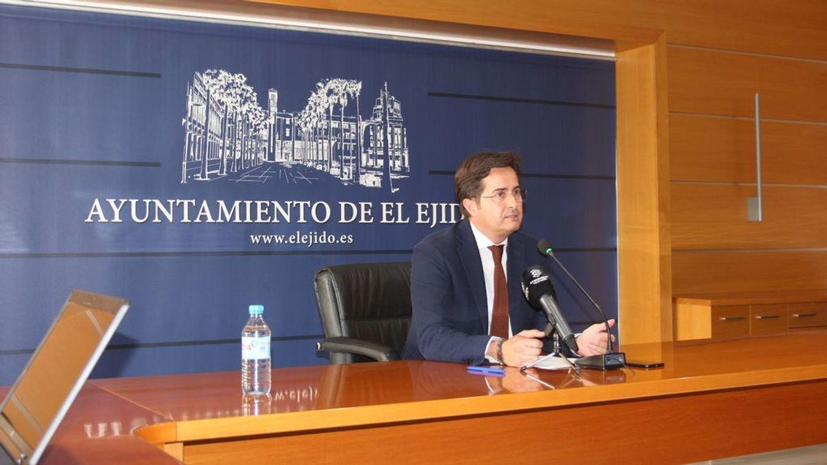 El ayuntamiento de El Ejido, gobernado por PP y Vox, rectifica y asegura que seguirán trabajando en el sistema de seguimiento a víctimas del machismo