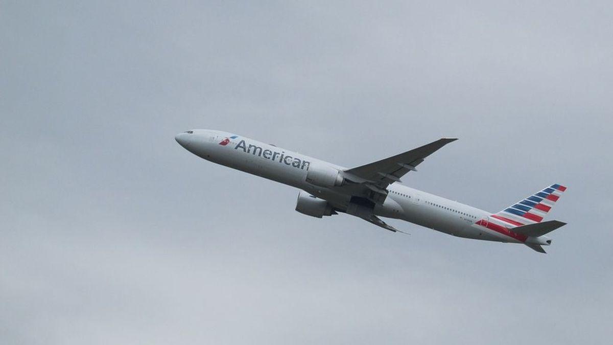 Un hombre provoca un aterrizaje de emergencia tras fumar marihuana en el baño de un avión
