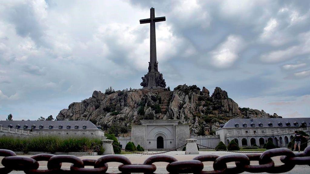 El Supremo entra en los detalles de la exhumación de Franco
